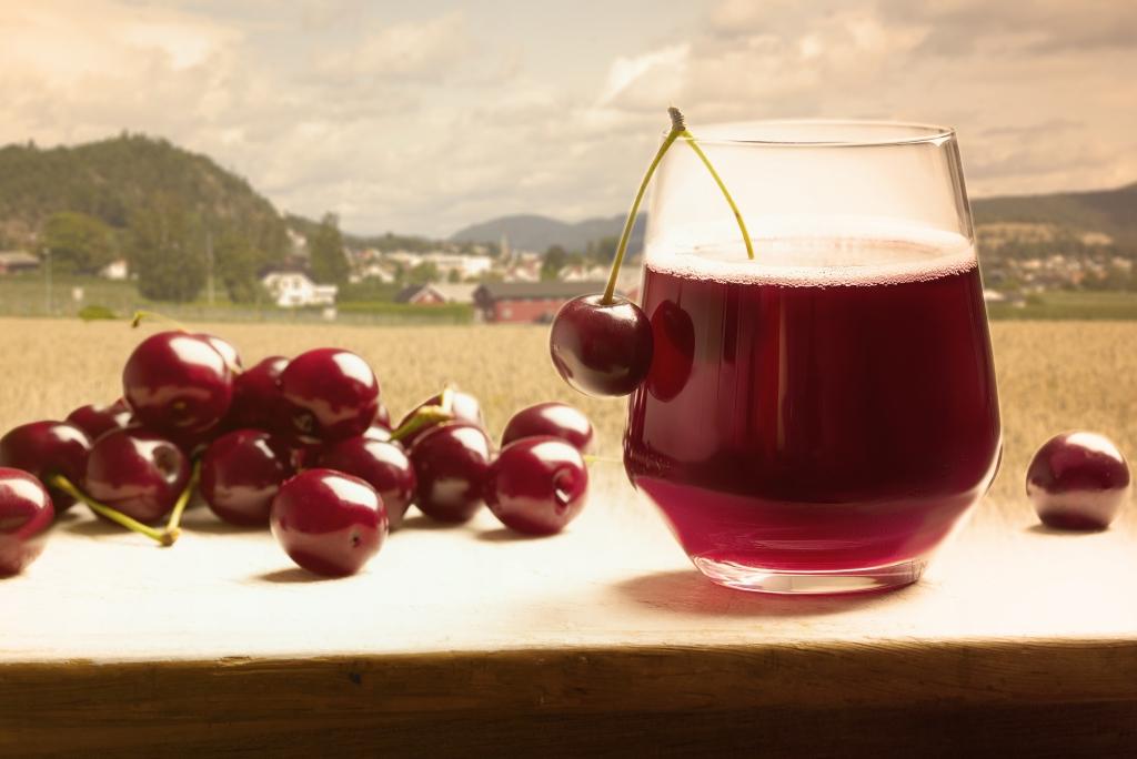 Cherry cordial from Norge, Drammen, Svelvik